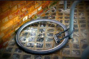Bicycle-Pooly-Locked